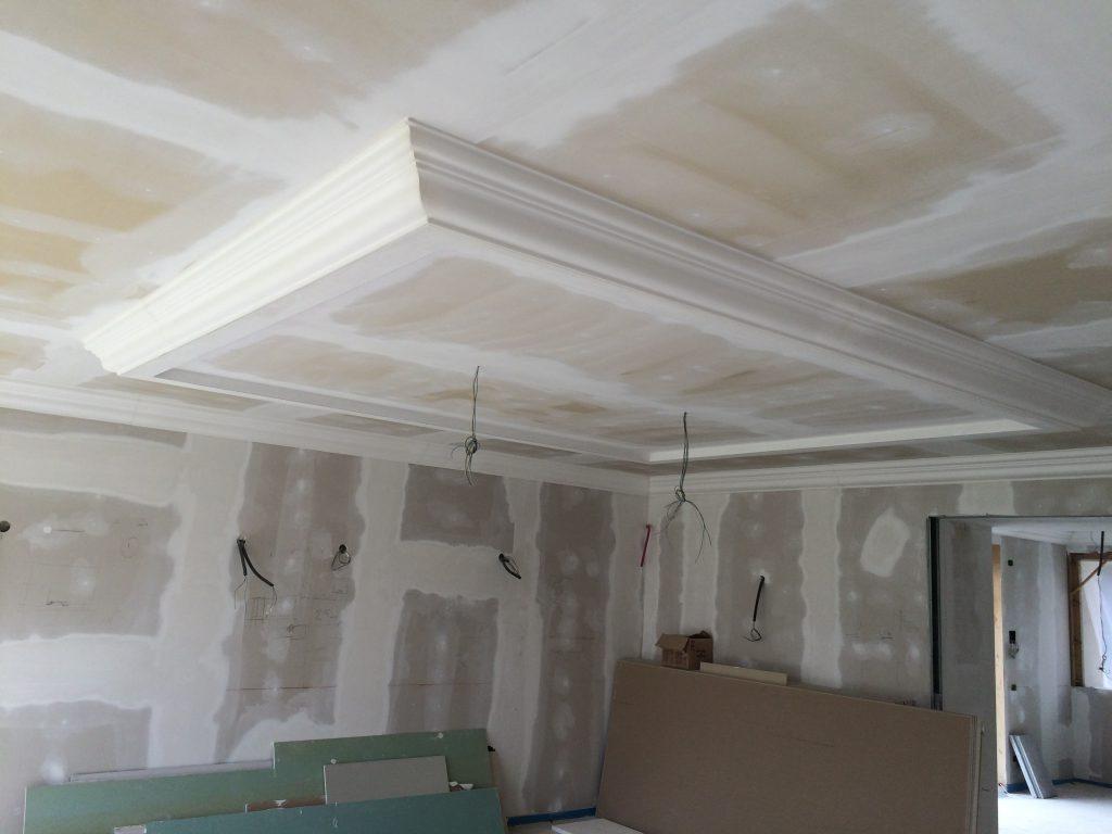 Contropareti controsoffitti cornici pareti divisori in for Cornici in polistirolo per interni